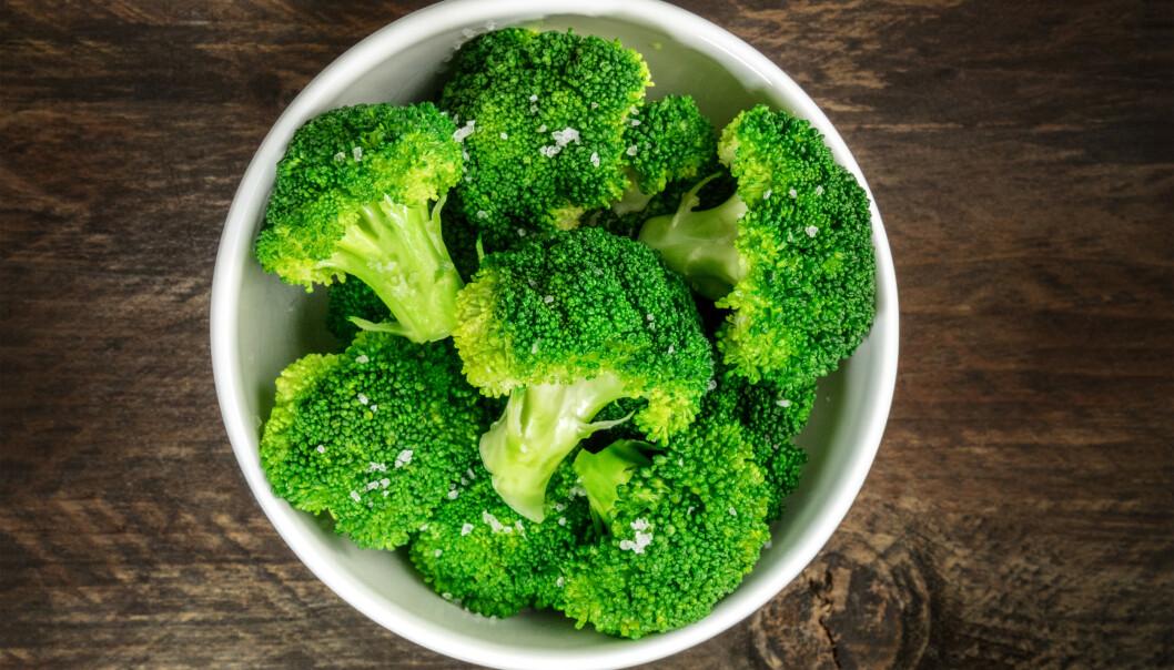 LITE KALORIER OG MYE NÆRING: 100 gram brokkoli inneholder cirka 34 kalorier og 3,2 gram protein.