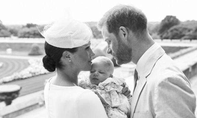 DØPT: Dette bildet av lille Archie ble publisert i forbindelse med dåpen 6. juli. Foto: NTB Scanpix