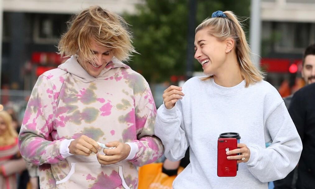 FAMILIEFORØKELSE?: Rykter skal ha hatt det til at Justin og Hailey Bieber skulle bli foreldre. Da bestemte sistnevnte seg for å ta bladet fra munnen. Foto: NTB scanpix