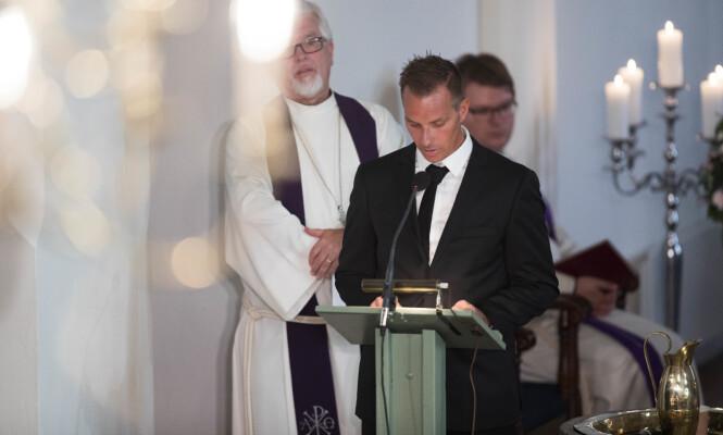 <strong>MISTET SØSTEREN:</strong> Tormod Skofterud avbildet under Vibekes begravelse i august i fjor - hvor han holdt en rørende tale. Foto: NTB Scanpix