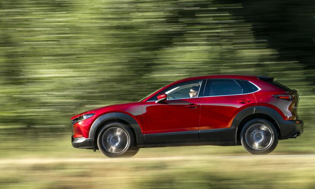 <strong>MORSOMST I KLASSEN:</strong> Mazda CX-30 blir nå tilgjengelig for norske kunder, med den nye og revolusjonerende motorteknologien - og inspirerende kjøreegenskaper. Det til priser som etter vår mening er et meget godt kjøp i denne klassen. Foto: David L.F. Smith