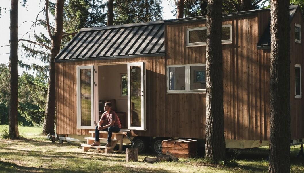 Et mikrohus på henger kan du flytte rundt på etter sesong