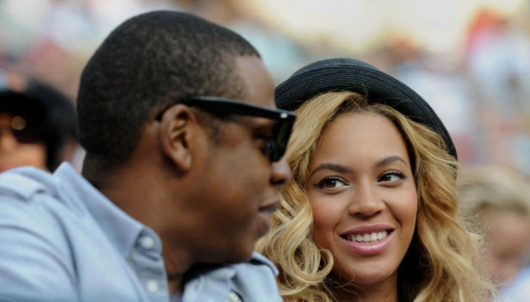 FRONTER DIETT: I en video har Beyoncé promotert for en ekstrem diett. En spaltist mener nå at artisten selger en løgn.