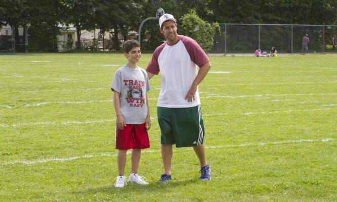 <strong>SØRGER:</strong> Adam Sandler fikk gleden av å spille mot Cameron Boyce i flere filmer. Førstnevnte var én av mange som sørget over tapet av disney-stjernen. Foto: NTB Scanpix