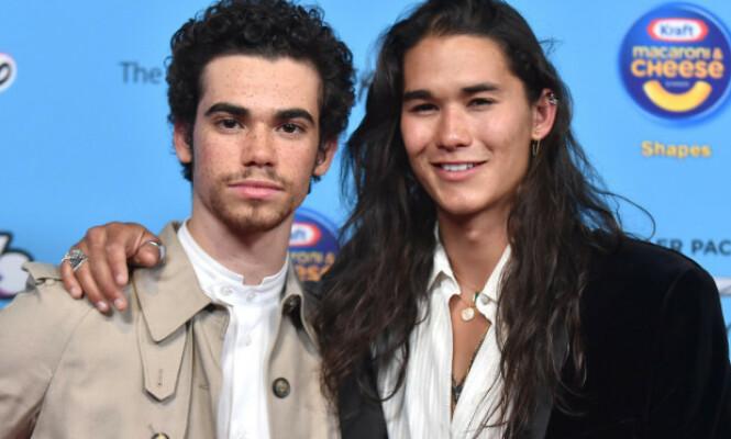 <strong>KOLLEGER:</strong> Cameron Boyce og «Descendants»-kollega Booboo Stewart ble nylig avbildet under Radio Disney Music Awards i Los Angeles 16. juni 2019. Foto: PA/NTB Scanpix