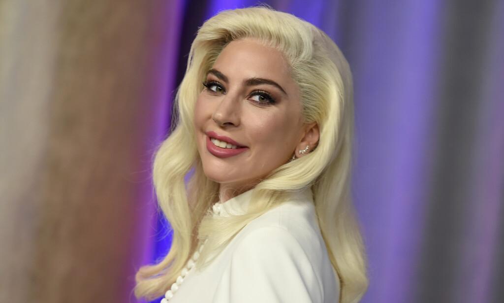 NY FLAMME: Drøyt et halvt år etter at nyheten om bruddet med forloveden kom, har Lady Gaga nå blitt observert med en ny flamme. Dette er det vi vet om ham. Foto: NTB Scanpix