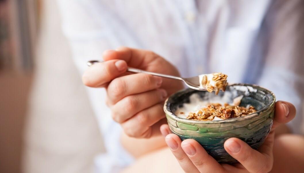 PROBIOTIKA: Yoghurt inneholder probiotika, som er positivt for tarmfunksjonen. FOTO: Shutterstock