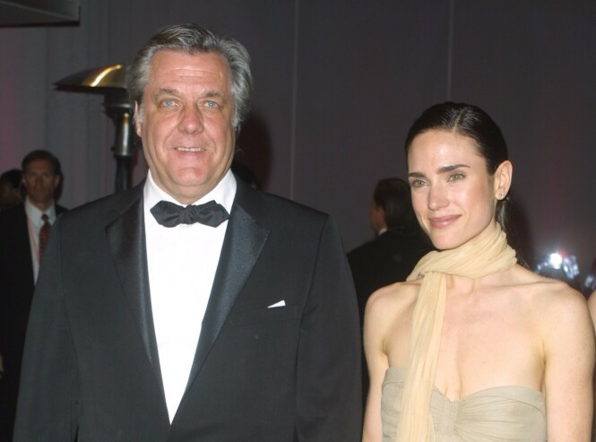 FAREN: Skuespiller Jennifer Connelly med faren Gerard Karl Connelly på en Oscar-fest i 2002. Hans mor kom fra Norge. FOTO: NTN Scanpix