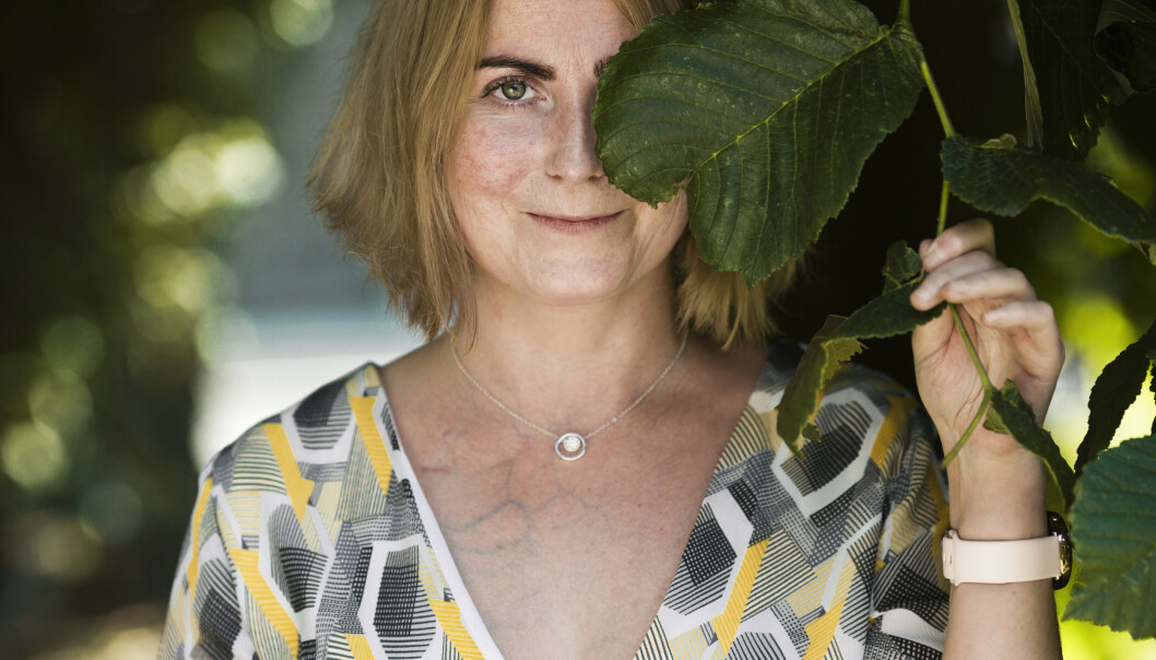 NY NYRE: Synnøve trengte en ny nyre etter å ha gått med «cushings syndrom» i kroppen i omlag 10 år - uten å vite det. Etter at denne cysten ble operert bort, var nyrene fortsatt helt ødelagte. FOTO: Astrid Waller