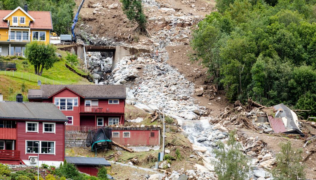 Politiet beklager tragisk utfall av veiåpning i Jølster