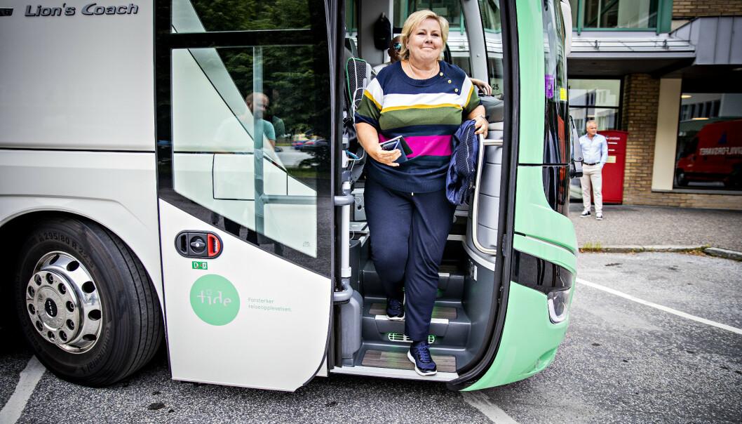 <strong>DRAR IKKE PÅ BESØK:</strong> Erna Solberg drar ikke på besøk til Jølster, selv om hun nå befinner seg i nabokommunen Førde. Foto: Bjørn Langsem / Dagbladet