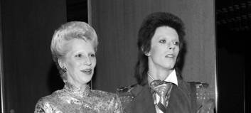 Angie Bowie holdt voldtekt skjult for ektemannen