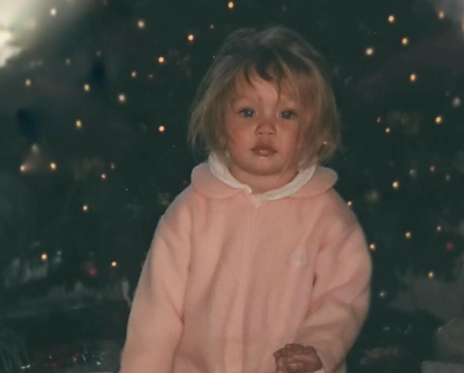 BLE MODELL: Gigi Hadid var nydelig som liten – og det er hun fortsatt! Dette bildet fra barndommen la hun selv ut på Instagram. FOTO: @gigihadid