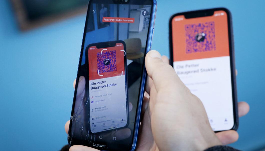 QR-KODE: Med QR-koden slipper du å taste inn telefonnummer. Foto: Ole Petter Baugerød Stokke.
