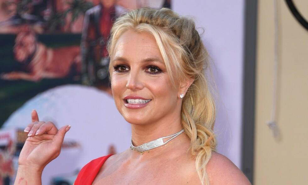 FAMILIEMOR: Britney Spears sine to sønner, Sean og Jayden er sjelden å se i den internasjonale tabloidpressen. Nå deler stjernen selv et unikt bilde av de to barna sine. Foto: NTB Scanpix