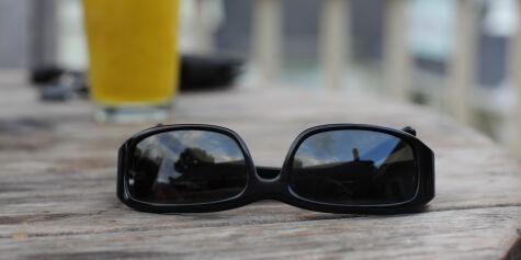 image: Hans (50) glemte solbriller på syden-tur:Må betale over 1300 kroner for retur