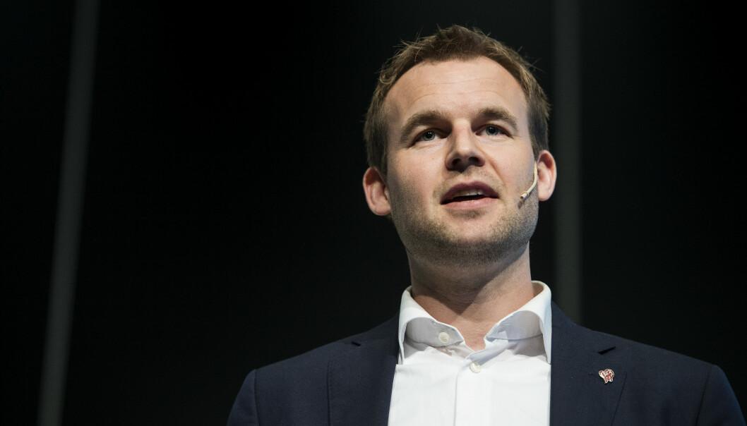 <strong>KRF:</strong> Tros- og livssynsminister Kjell Ingolf Ropstad (KrF) oppfordrer Jehovas vitner til å endre sin praksis, hvis ikke kan de risikere å miste statsstøtten. Foto: Carina Johansen / NTB scanpix