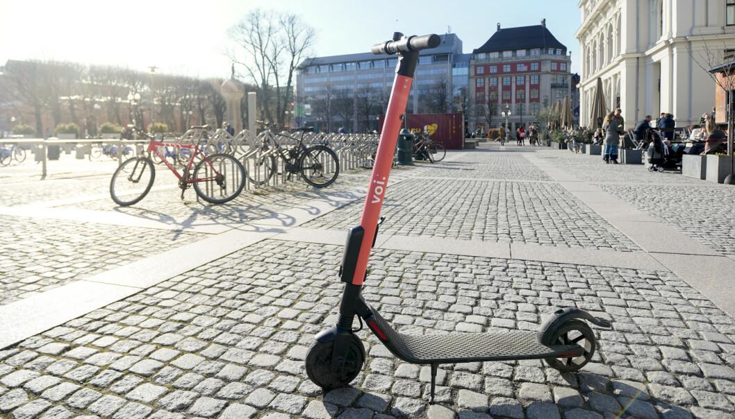 <strong>POPULÆRE:</strong> El-sparkesyklene fra Voi blir brukt av hundrevis i somersola i Oslo. Foto: Fredrik Hagen / NTB scanpix