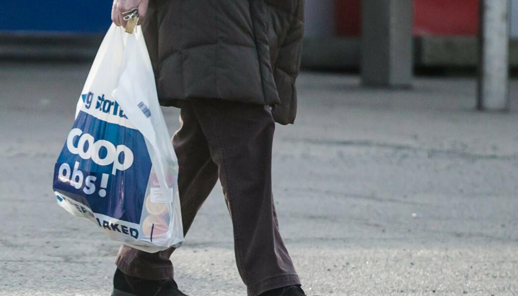 Nordmenn er fremdeles storforbrukere av plastposer