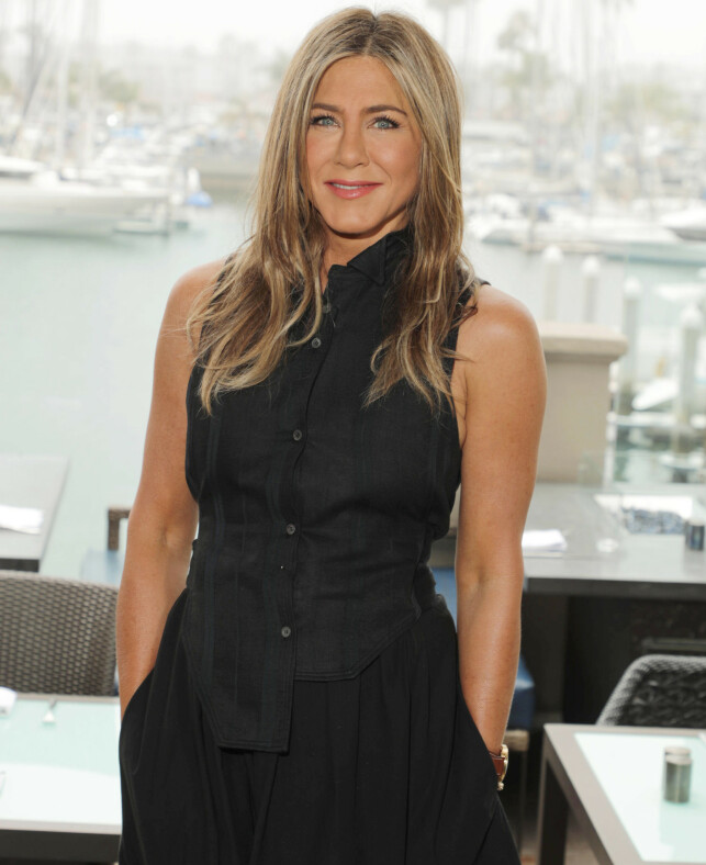 RADIATIONS: Jennifer Aniston obviously has a few new projects to hang her fingers on. Photo: NTB Scanpix