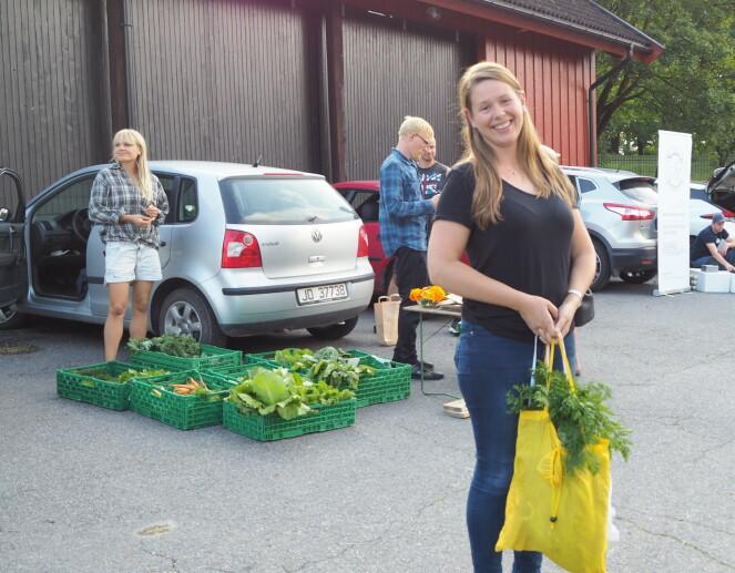 ENDELIG: Ragna Gilmore er fornøyd etter å ha kjøpt mat via Facebook.