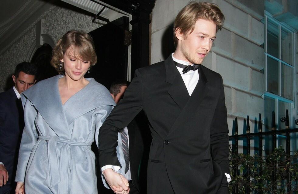 FORLOVELSESRYKTER: Nye bilder av Taylor Swift setter fart på forlovelsesryktene mellom henne og kjæresten Joe Alwyn. Foto: NTB Scanpix