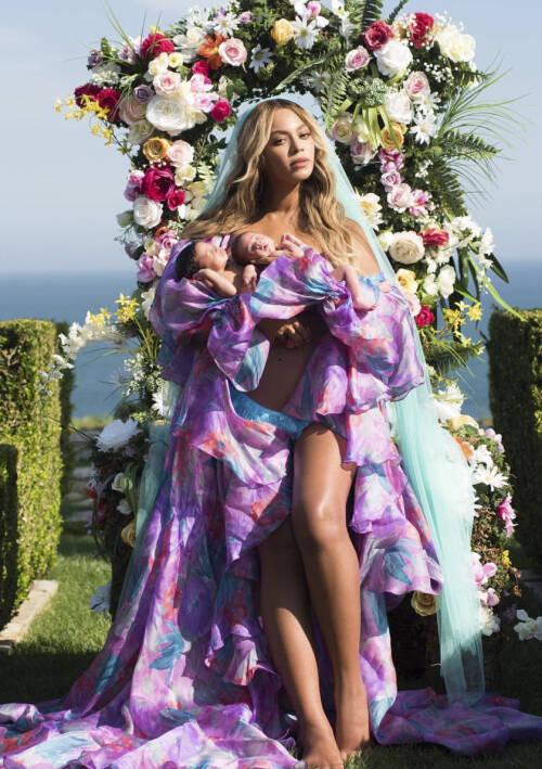 BABYNYHET: På denne måten kunne Beyoncé og Jay-Z bekrefte at tvillingene hadde kommet til verden i 2017. Foto: NTB Scanpix
