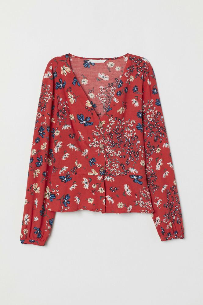 SJEKK PRISEN: Blomstrete bluse (kr 200, H&M). FOTO: Produsenten