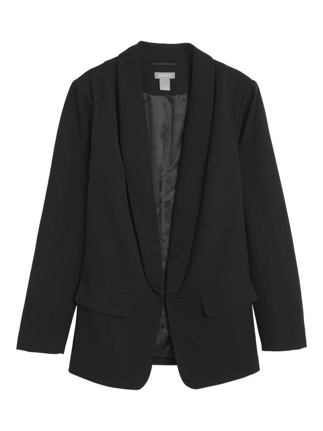 Svart blazer (kr 700, Lindex). FOTO: Produsenten