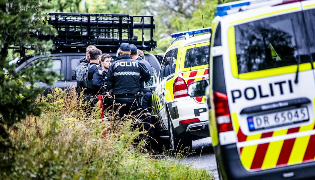 <strong>AKSJON:</strong> Politiet har søndag høy beredskap ved Manshaus' bolig i Bærum. Foto: Christian Roth Christensen / Dagbladet