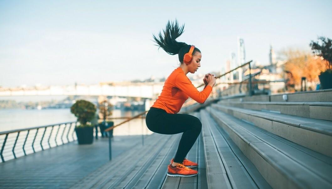 TRENING: Styrketrening kan gjøre at tallet på vekta øker, fordi du bygger muskelmasse. FOTO: NTB Scanpix