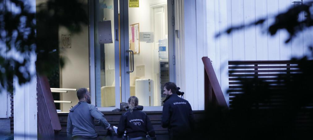 Mannen i 20-årene som er siktet for drap og drapsforsøk etter en moskeskytingen i Al-Noor Islamic Centre moskeen i Bærum, vil ikke snakke med politiet. Foto: Terje Bendiksby / NTB scanpix.