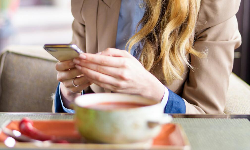 LUNSJMØTE: Hva om du bruker noen minutter under lunsjen denne uka til å sjekke forsikrings- og pensjonsavtalene du har gjennom jobben? Kanskje blir du overrasket over hvor gode ordninger du har gjennom arbeidsgiver, eller så er det trolig enkle grep du kan gjøre for å få mye bedre vilkår. Foto: Shutterstock/NTB Scanpix.