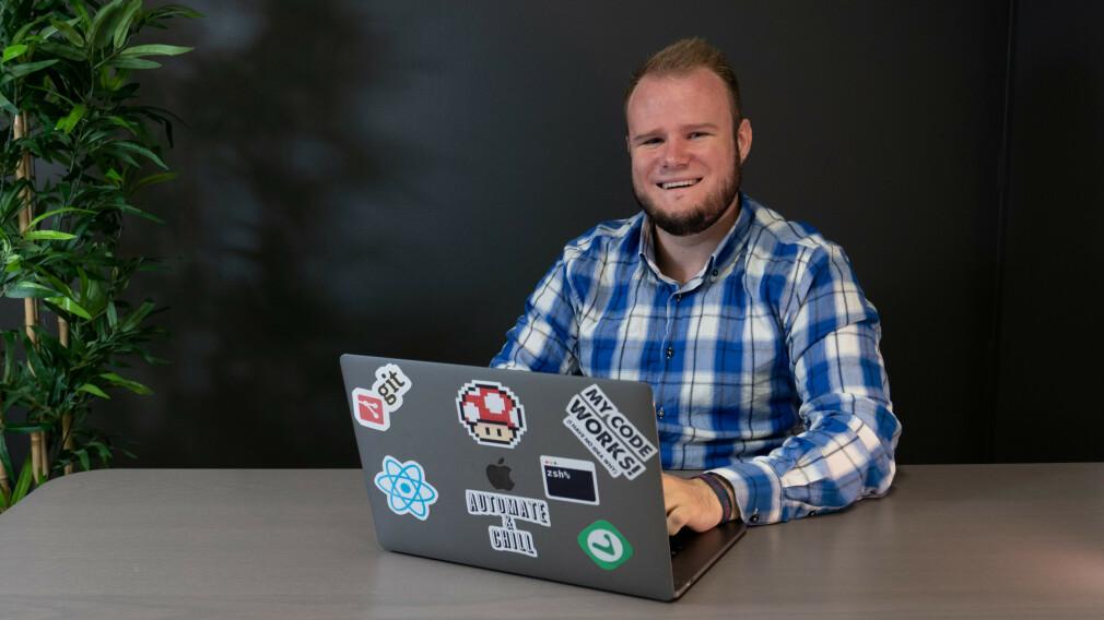 Håvard Nordlie Mathisen studerer på Høyskolen Kristiania, og jobber i Vivaldi ved siden av studiene. 📸: Privat
