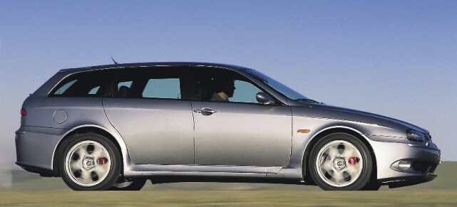 ALFA ROMEO 156 GTA SPORTWAGON: Produsert i 2001-2005, i 1678 eksemplarer. Foto: Simon Fox Syndication