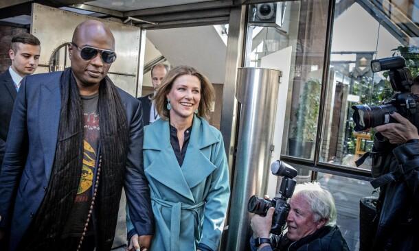 BESKYTTET I NORGE: Når prinsesse Märtha Louise er i Norge, har hun livvakter fra Den kongelige politieskorte. Durek er ikke under den samme beskyttelsen. Foto: Bjørn Langsem/ Dagbladet