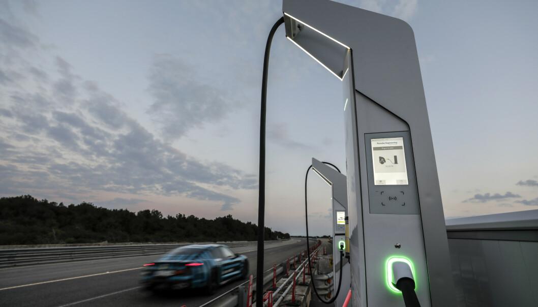 800 Volt: Hemmeligheten ligger i ladefarten. Foto: Porsche