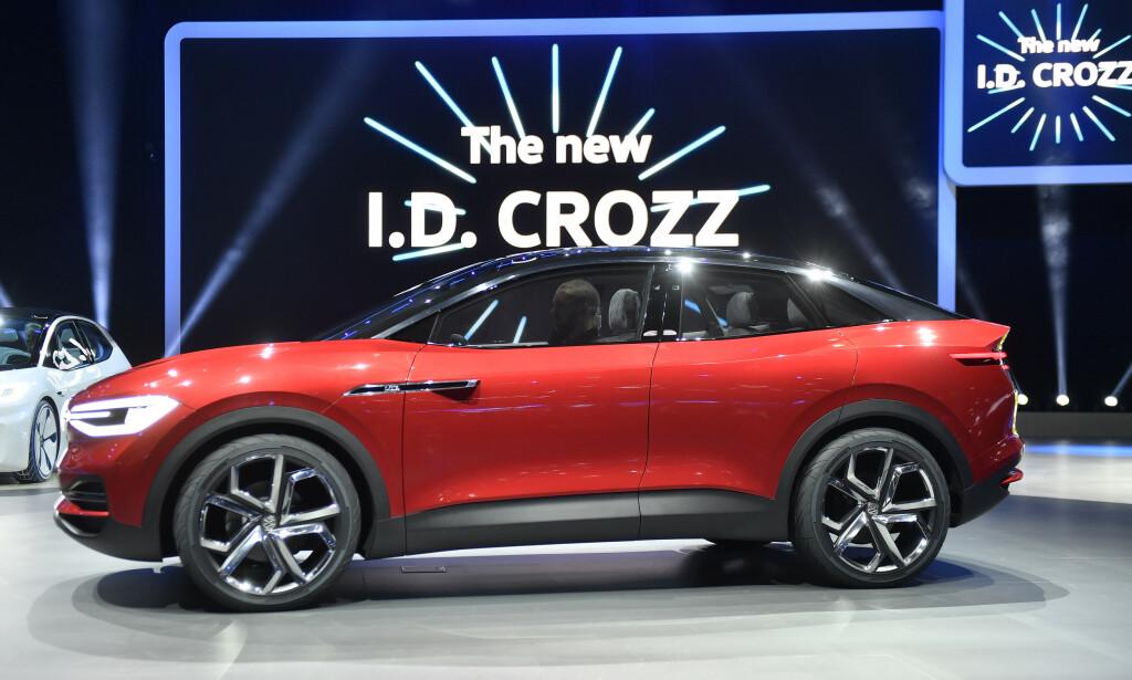 NY EL-SUV: I.D. Crozz ble for første gang presentert på den internasjonale bilutstillingen i Frankfurt for to år siden. Nå kommer den og andre biler i I.D.-familien for fullt. Foto: NTB/SCANPIX