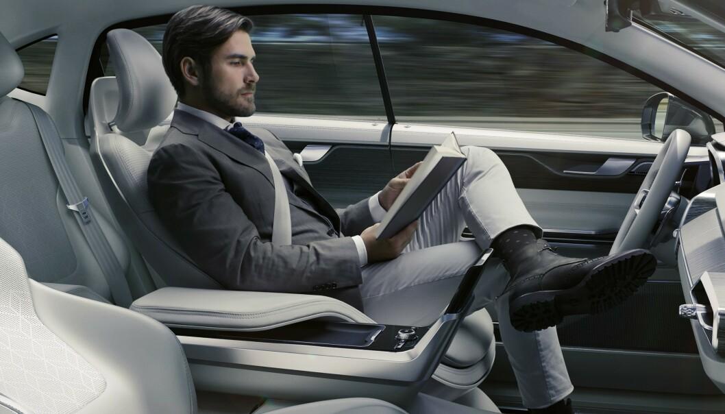<strong>IKKE FØR I 2030:</strong> - Helt selvkjørende biler kommer ikke på veien før i 2030, sier sjefen for Continentals prosjekt for selvkjørende biler. Foto: Volvo