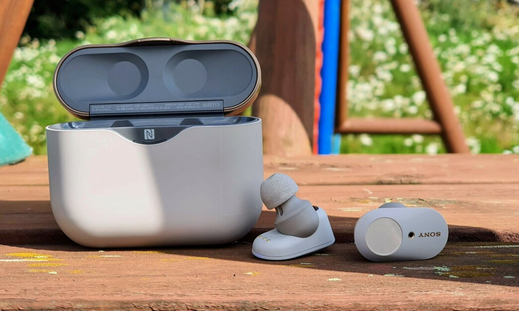 <strong>VELSPILLENDE:</strong> Sonys nye trådløse ørepropper har innebygd støyreduksjon og byr på kraftig forbedret batteritid. Foto: Pål Joakim Pollen