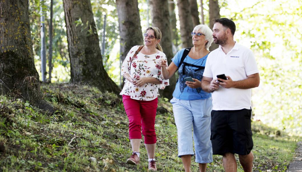 UTE PÅ TUR: Gjennom Stolpejakten har Liv Langberg, Mona Ekeheien og Geir-Arne Eriksen fått mange flotte turopplevelser rundt omkring i landet. FOTO: Geir Olsen/NTB scanpix-