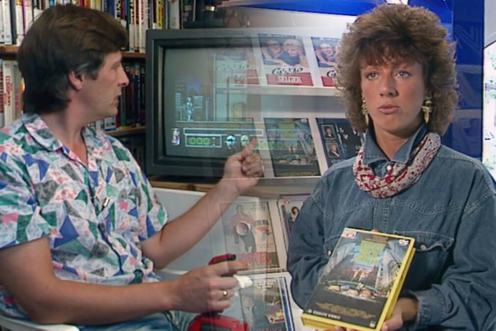 Sosionom og medieforsker Kåre T. Pettersen viste fram RoboCop-spill, Elisabeth Rød i en videokiosk viste fram Turtles-filmen. Det var mye å være redd for i Norge i 1991. 📸: NRK