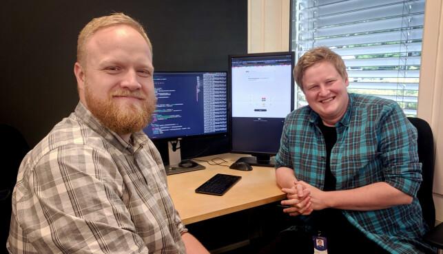 Stian Lund Johansen, tech lead for digital historieutvikling, og utvikler Stian Veum Møllersen, har begge jobbet med årets valgomat fra NRK. 📸: Privat