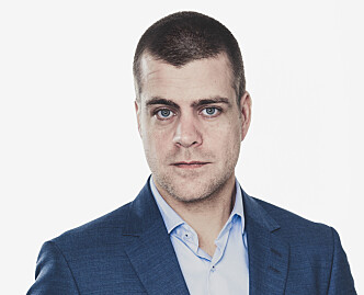 JEVN LYD KAN VÆRE SKADELIG: Henrik Peersen forteller at jevn lyd kan skade øret over tid. Foto: HLF.