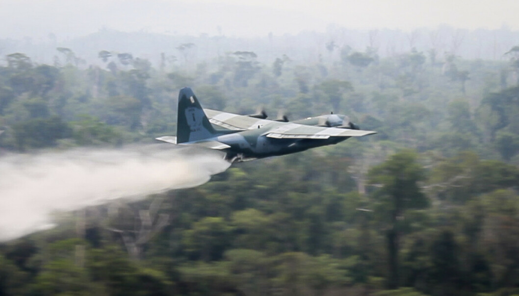 Hercules-fly satt inn i brannslokking i Amazonas