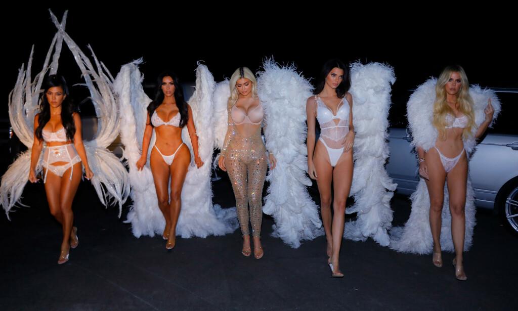 BERØMTE SØSTRE: F.v: Kourtney, Kim, Kylie, Kendall og Khloé Kardashian har blitt verdenskjente gjennom realityserien «Keeping Up With the Kardashians». Foto: NTB Scanpix