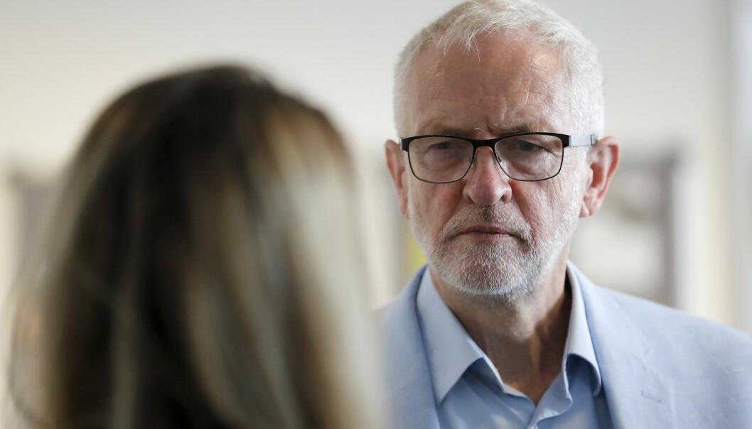 Jeremy Corbyn skal i samtale med andre politikere tirsdag for å se hvordan han kan hindre at britene forlater EU uten en avtale. Foto: Frank Augstein / AP / NTB scanpix