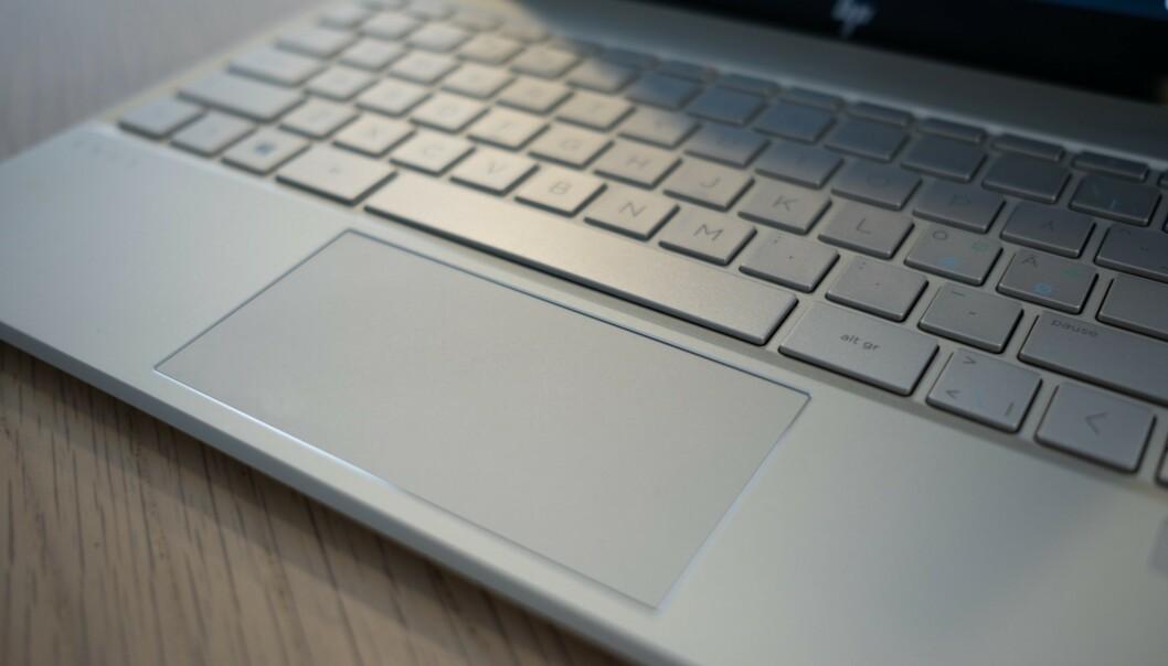 <strong>STYREFLATE:</strong> HP Envy 13 har en god styreflate. Foto: Martin Kynningsrud Størbu