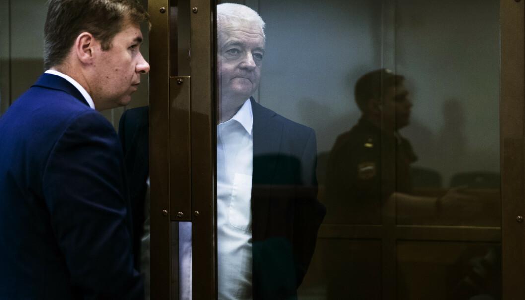 Frode Berg og hans forsvarer Ilja Novikov i byretten i Moskva i forbindelse med domsavsigelsen i Moskva i april. Foto: Berit Roald / NTB scanpix