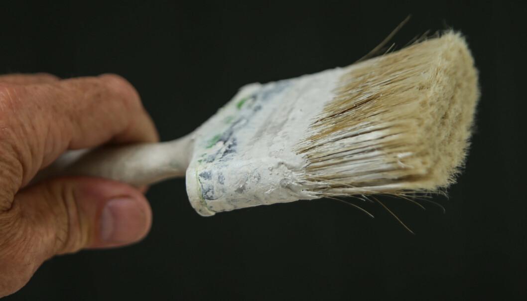 <strong>RUFSETE:</strong> Når hårene spriker og penselen er full av små partikler er det vanskelig å få et pent resultat. Foto: Øivind Lie-Jacobsen